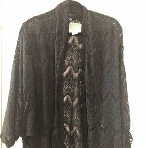 Tops - Designers Closet lace fringe kimono coverup